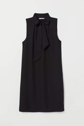 H&M Dress with Tie Collar - Black