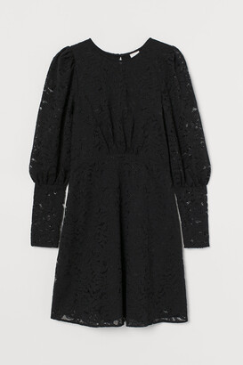 H&M Puff-sleeved Lace Dress