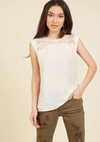 ModCloth Creative Mixer Sleeveless Top in Parchment in XS