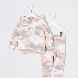 River Island Mini girls pink camo 'Unique' hoodie outfit