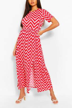 boohoo Zigzag Maxi Dress With Front Split