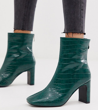 Z Code Z Z_Code_Z Exclusive Sanaa green croc effect heeled ankle boots