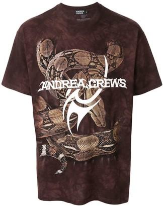 Andrea Crews logo snake print T-shirt