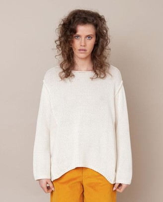 Beaumont Organic Alessandra Jane Organic Cotton Jumper In Off White - Off White / Small