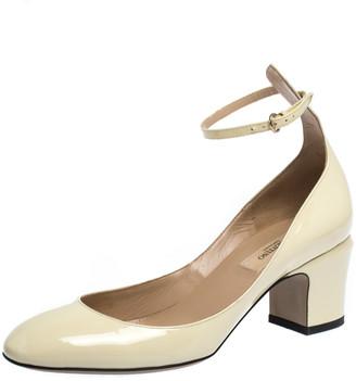Valentino Cream Patent Leather Tango Ankle Strap Pumps Size 37