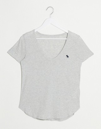 Abercrombie & Fitch v neck t-logo t-shirt in gray