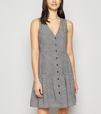 New Look Daisy Sleeveless Smock Dress