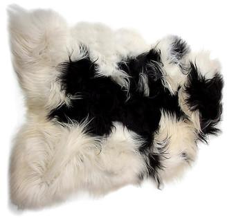 One Kings Lane 2'x3' Icelandic Sheepskin - White/Black