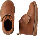 """Osh Kosh OshKosh Chukka Boots [div class=""""add-to-hearting"""" ] [input type=""""checkbox"""" name=""""hearting"""" id=""""888737132344-pdp"""" data-product-id=""""V_OF150521"""" data-color=""""Brown"""" data-unhearting-href=""""/on/demandware.store/Sites-Carters-Site/default/Hearting-UnHeartProduct?pid=888737132344"""" data-hearting-href=""""/on/demandware.store/Sites-Carters-Site/default/Hearting-HeartProduct?pid=888737132344&page=pdp"""" /] [label for=""""888737132344-pdp""""][/label] [/div]"""