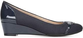 LifeStride Holland Wedge Pumps