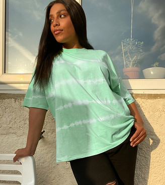 Asos DESIGN Curve oversized t-shirt in tie dye stripe