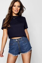 boohoo Petite Danielle Basic Cropped T-Shirt
