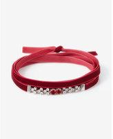 Express round stone velvet choker necklace