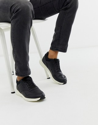 Jack and Jones sneaker in black with contrast sole