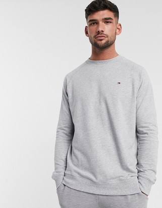 Tommy Hilfiger lounge sweater with flag logo in grey