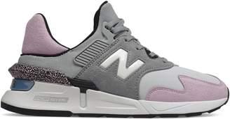 New Balance Women's 997 Suede Mesh Sneaker