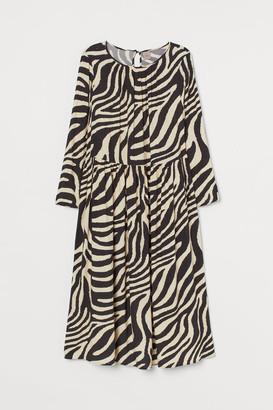 H&M H&M+ Patterned Dress - Black