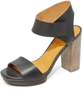Coclico Leggy Platform Sandals