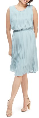 Maggy London Solid Pleated Sleeveless Midi Dress