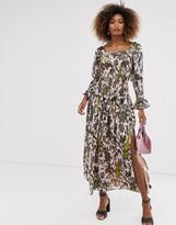 Asos Design DESIGN shirred waist and cuff floral print maxi dress