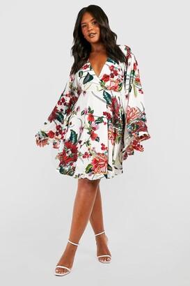 boohoo Plus Paisley Floral Wide Sleeve Skater Dress
