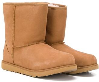 UGG TEEN Classic II ankle boots