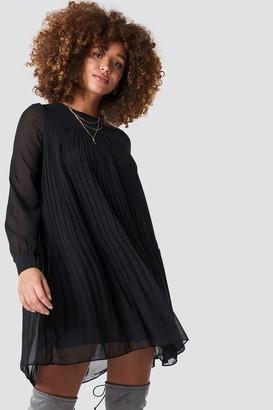 Trendyol Short Pleated Dress