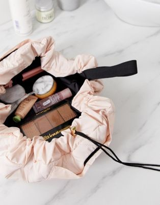 The Flat Lay Co. Drawstring Makeup Bag - Blush Pink