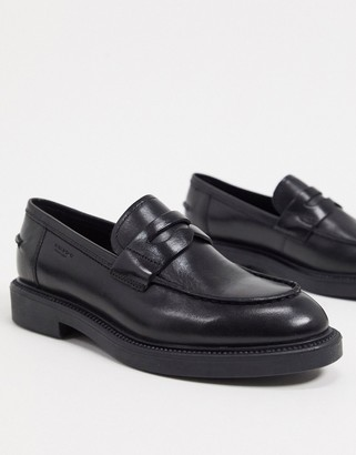 Vagabond Alex flat loafer in black