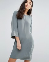 Minimum 3/4 Sleeve Shift Dress