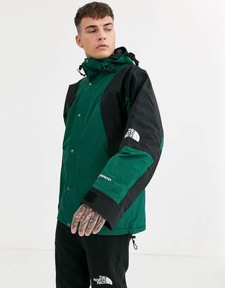 The North Face 94 Retro Mountain Light Gore-Tex jacket in night green