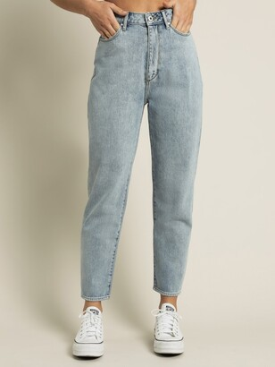 Articles of Society Charlotte Mom Straight Denim Jeans in Vintage Light Blue
