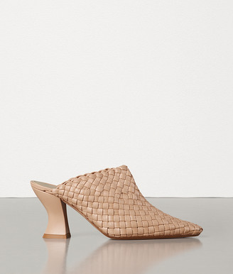 Bottega Veneta Almond Pumps In Intrecciato Nappa