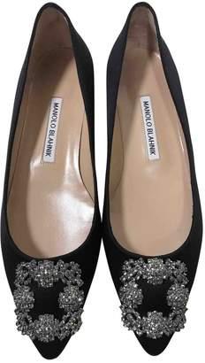 Manolo Blahnik Hangisi Black Cloth Ballet flats