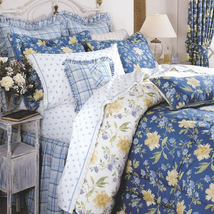 Laura Ashley Lifestyles Emilie 4-pc. Comforter Set - Full