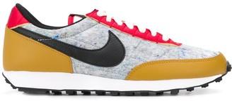 Nike Daybreak low-top trainers