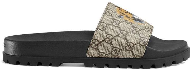 Gucci GG Supreme tiger slide sandal