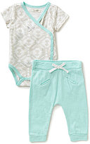 Jessica Simpson Baby Girls Newborn-9 Months Printed Bodysuit & Pants Set