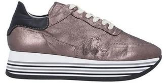 DIVINE FOLLIE Low-tops & sneakers
