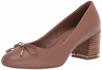 Kenneth Cole New York Women's Round Toe Pump