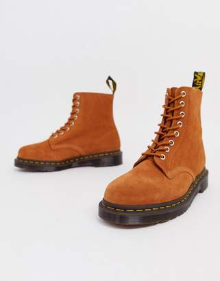 Dr. Martens 1460 Pascal 8 eye boot tan suede