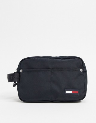 Tommy Jeans washbag in black with small logo
