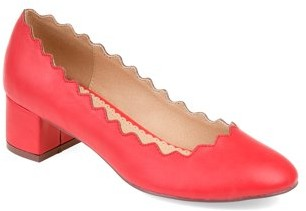 Brinley Co. Womens Scalloped Round Toe Pump