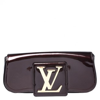 Louis Vuitton Sobe Burgundy Patent leather Clutch bags