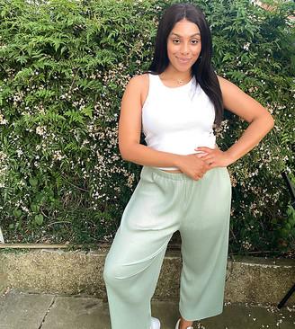 ASOS DESIGN Curve plisse culotte trousers in sage