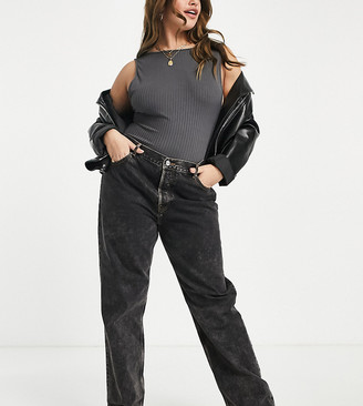ASOS DESIGN Curve mid rise '90's' straight leg jeans in vintage washed black