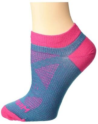 Wrightsock Women's Specific Coolmesh II Lo Quarter (Turquoise/Fuchsia) Women's Crew Cut Socks Shoes