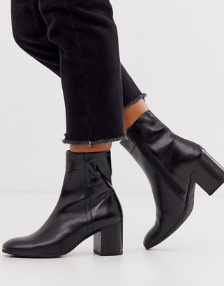 Vagabond Nicole black leather blocked mid heeled ankle boots with round toe