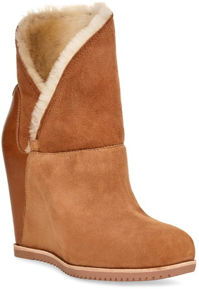 UGG Classic Mondri Cuff Wedge Boot