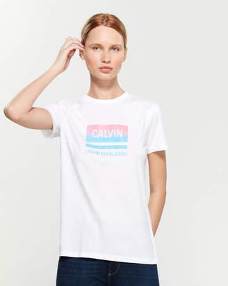 Calvin Klein Jeans Ombre Logo Box Short Sleeve Tee